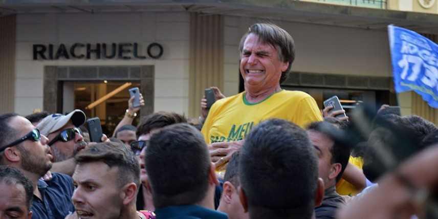Brasile, campagna elettorale: accoltellato candidato presidente di estrema destra