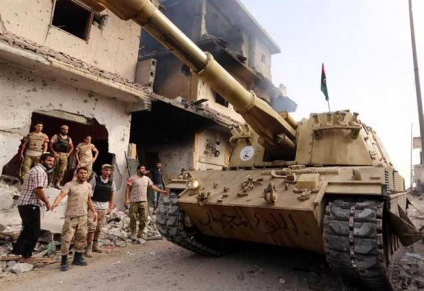 Tripoli sotto assedio, ma l'Italia esclude l'intervento