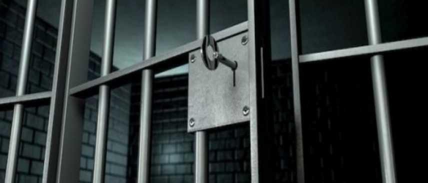 Dai domiciliari minacciava via sms la ex moglie, arrestato