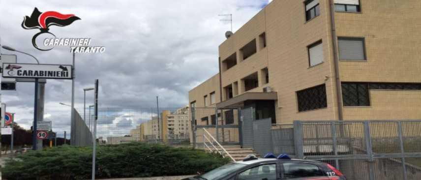 Stalking: perseguita ex moglie, arrestato 42enne a Taranto