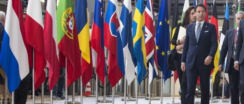 Vertice a Bruxelles: raggiunto accordo tra i 28 paesi sui migranti