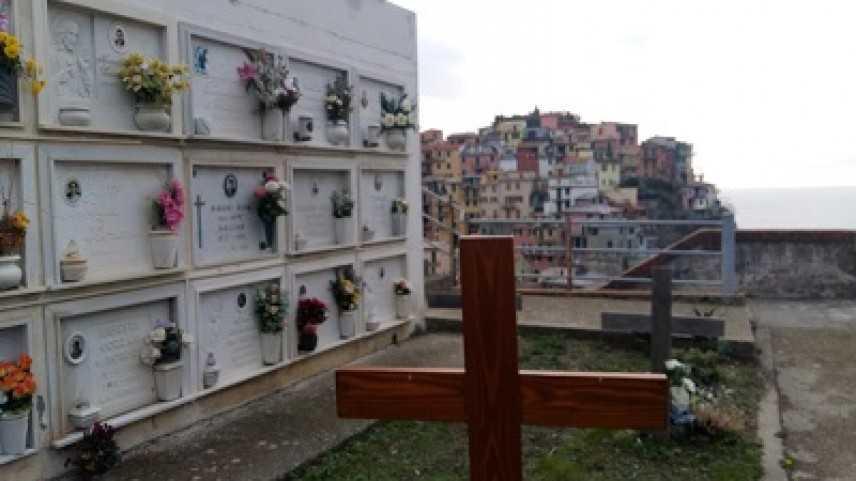 """""""Cinqueterre"""": cercasi volontari per proteggere il cimitero dai...turisti"""