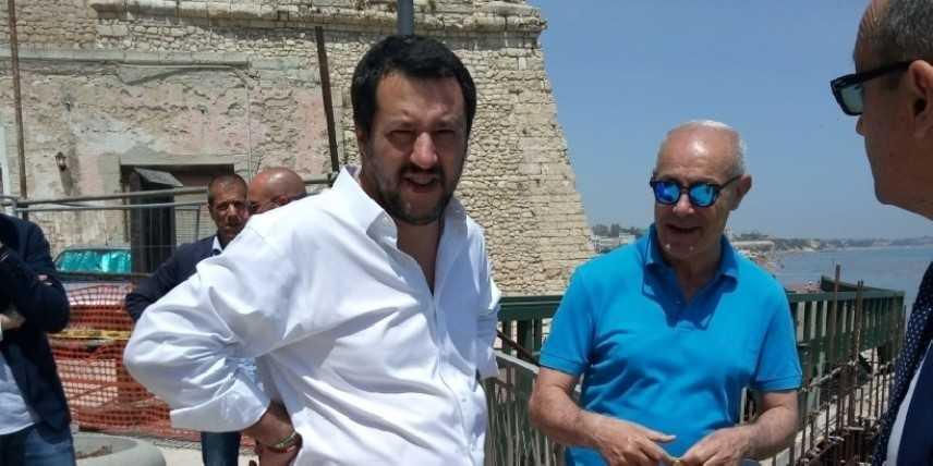 """Salvini: """"L'Italia non può essere un campo profughi"""""""