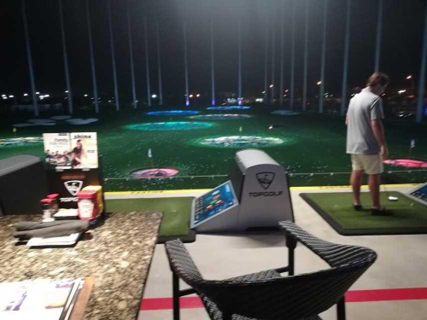 Top golf a Miami, quando giocare a golf diventa ipercalorico