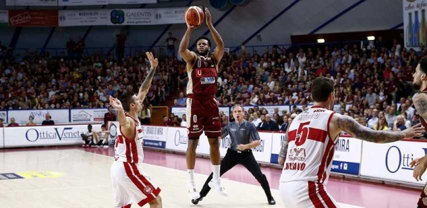 Basket - Serie A1, giornata 30: Venezia batte Milano nello scontro diretto e chiude la RS in testa