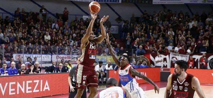 Basket - Serie A1, giornata 22: Venezia e Milano non perdono colpi ed allungano sulle inseguitrici
