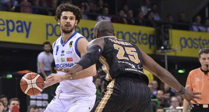Basket - Coppa Italia: Cremona e Cantù battute, la finale sarà Torino-Brescia