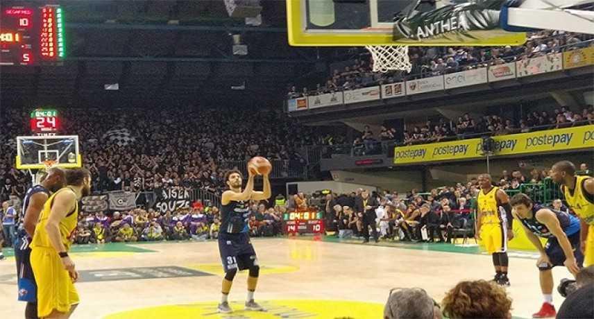 Basket - Coppa Italia, quarti di finale: Avellino, Venezia e Milano già out; Brescia passa il turno