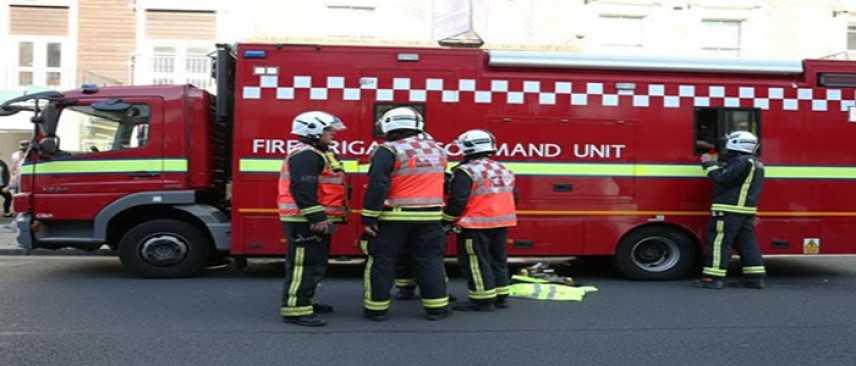 Gb: maxi incendio nella zona industriale di Londra, oltre 100 Vigili del fuoco