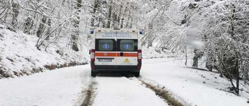 Ambulanza bloccata dalla neve, muore una donna a Sestriere