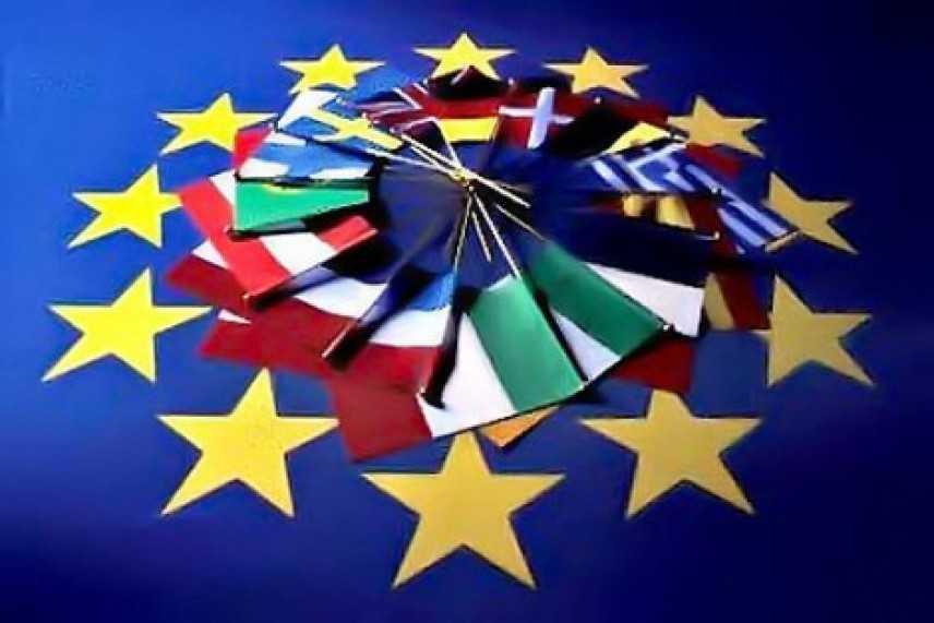 Ue: propone bilancio, ministro e fondo monetario per stabilita'