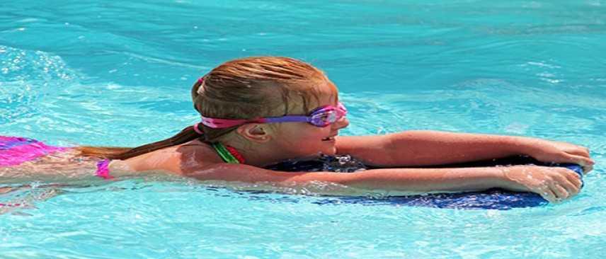 Il bello e il brutto del nuoto: come evitare le infezioni in piscina