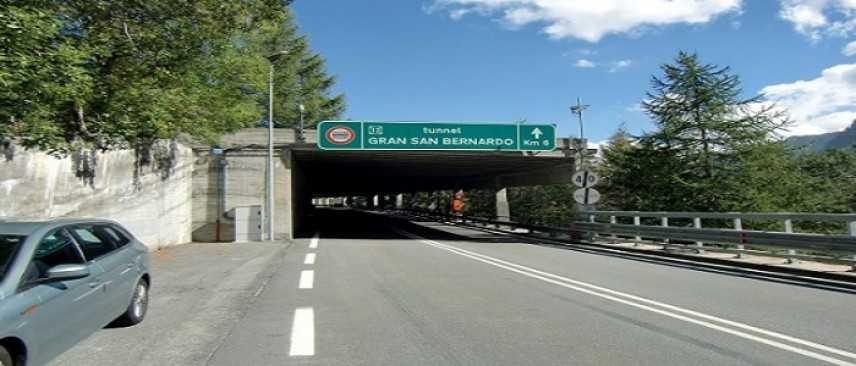 Aosta, chiuso il traforo del Gran San Bernardo per un crollo
