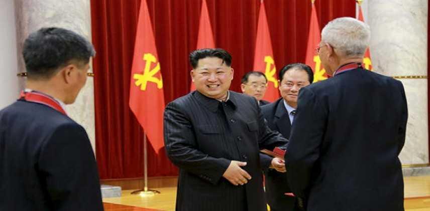 """Corea del Nord, nuova minaccia al Giappone: """"Lo affonderemo con il nucleare"""""""