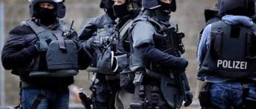 Russia, assalitore ferisce 8 persone: ucciso dalla polizia