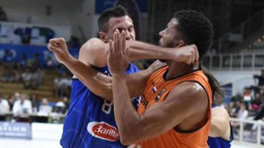 Basket, follia Gallinari: pugno a Kok e metacarpo fratturato, salterà gli Europei
