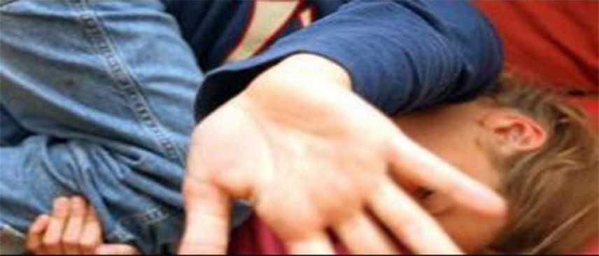 Abusi sessuali su 12enne, smascherato gruppo di giovanissimi