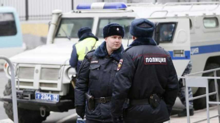 Russia, spara sui passanti dalla sua abitazione: almeno quattro morti