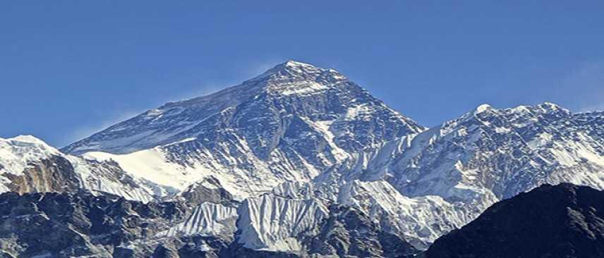 Kilian Jornet Burgada due volte su Everest, ma manca il record.