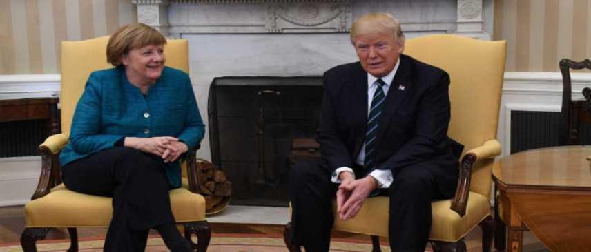 Merkel-Trump, tensione palpabile. E il presidente snobba la stretta di mano della cancelliera