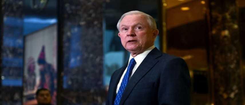 Usa, Sessions parlò con l'ambasciatore russo. Democratici chiedono le dimissioni