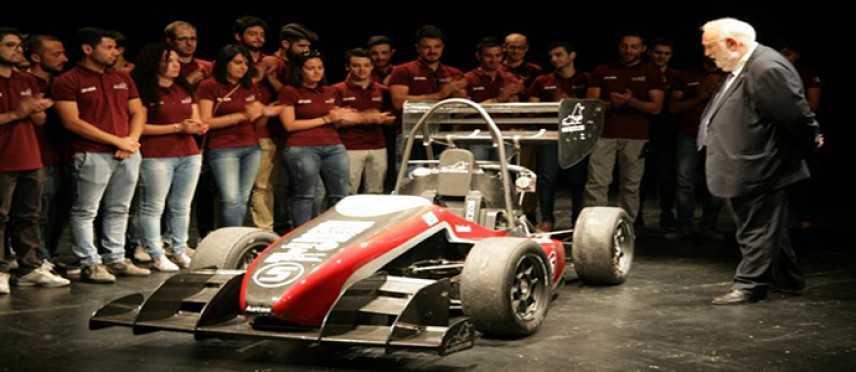 Universita' Calabria: Auto Aetos costruita da studenti