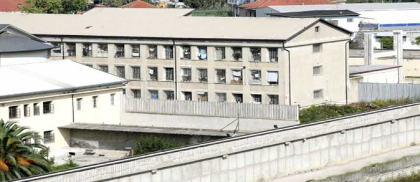 Murales in carcere e incontri di filosofia con i detenuti