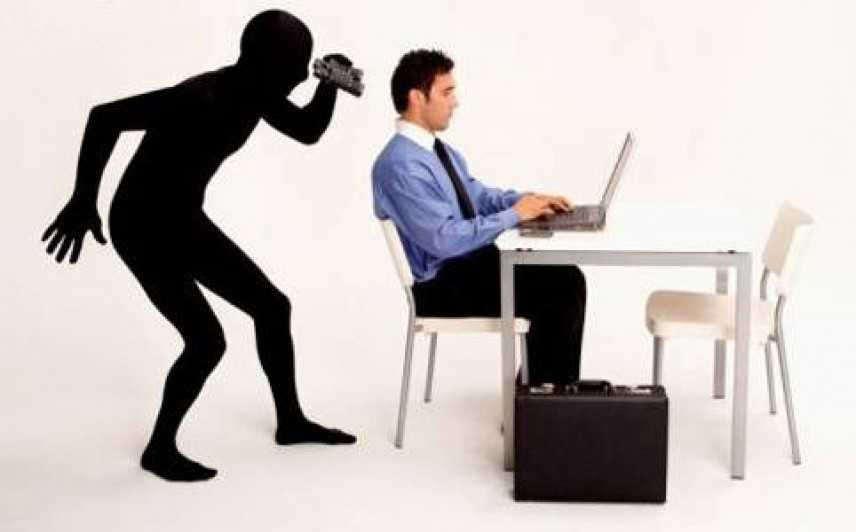 Il datore di lavoro può controllare il lavoratore: fino a che punto?