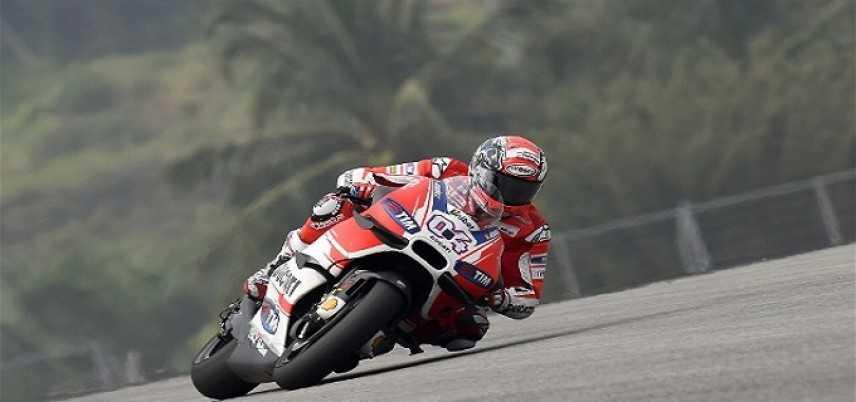 Moto Gp, Dovizioso in pole a Sepang. Rossi, Lorenzo e Marquez alle spalle del pilota della Ducati