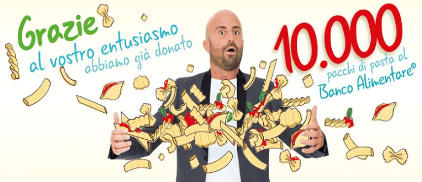 #NonCiFermaNessuno: i selfie sorridenti di Luca Abete raggiungono le 10.000 donazioni