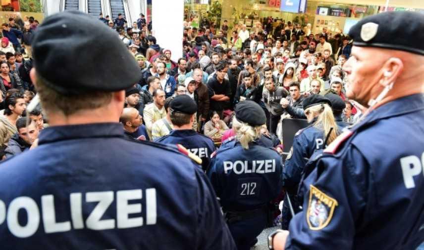 Isis, allarme attentati nelle capitali Ue: intensificati i controlli