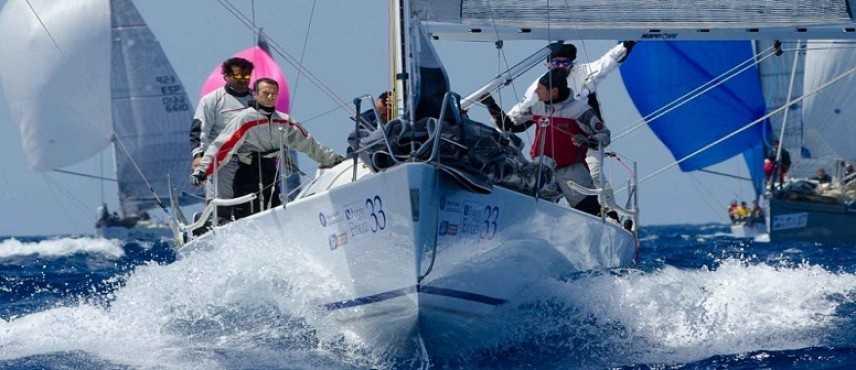 Vela, campionato d'altura a Vibo Valentia: 10 prove per 20 barche