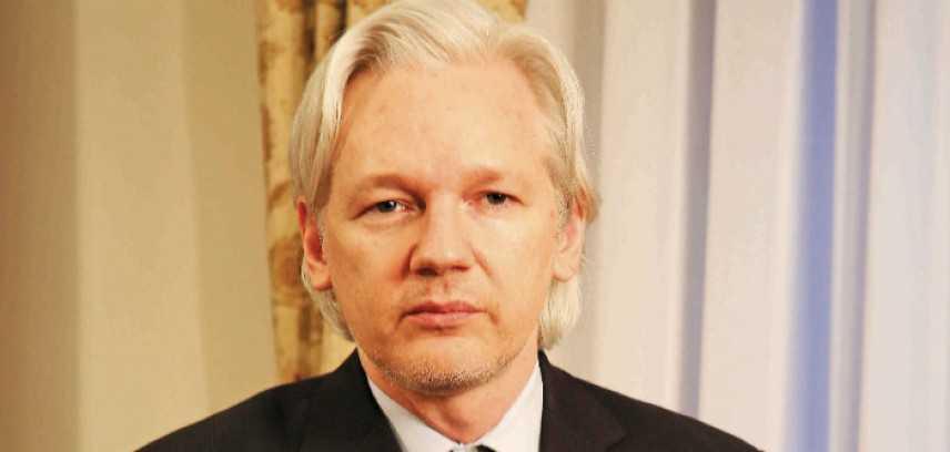 Assange, la Svezia fa cadere tre accuse