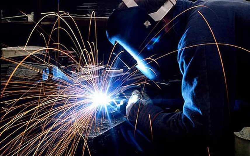 Istat: produzione industriale in calo a giugno, -0,3%
