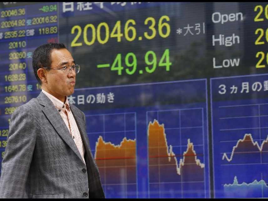 Borsa di Tokyo in calo (-2,1%), mercati spaventati dalla Grexit