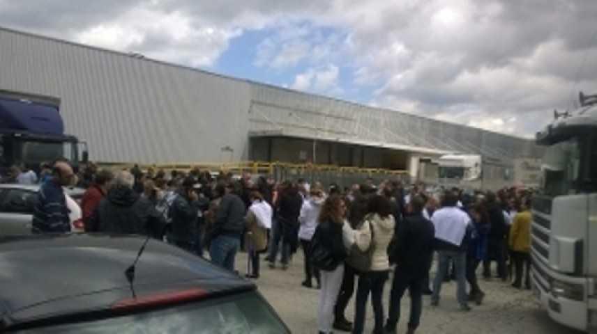 Whirlpool, la protesta dei lavoratori di Caserta: rimosso blocco su A1