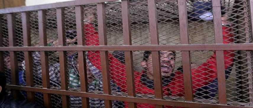 """Egitto, cade l'accusa di """"dissolutezza"""" verso i 26 uomini arrestati in un Hammam"""