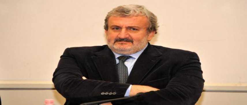 Michele Emiliano vince le primarie pugliesi: in 140mila alle urne