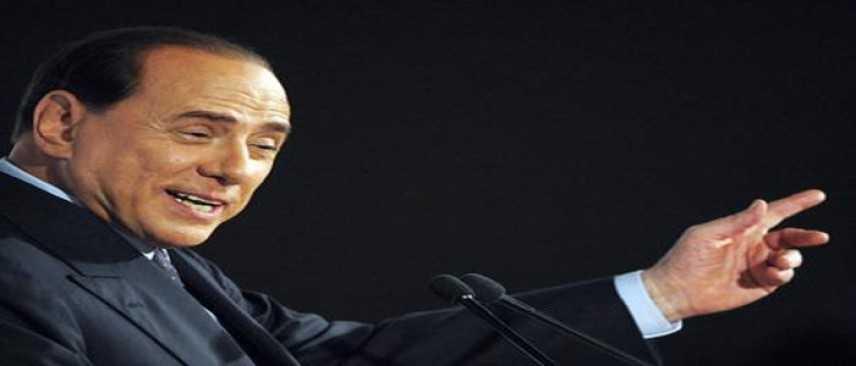 """Berlusconi: """"Ho la responsabilità nei confronti di milioni di persone"""""""