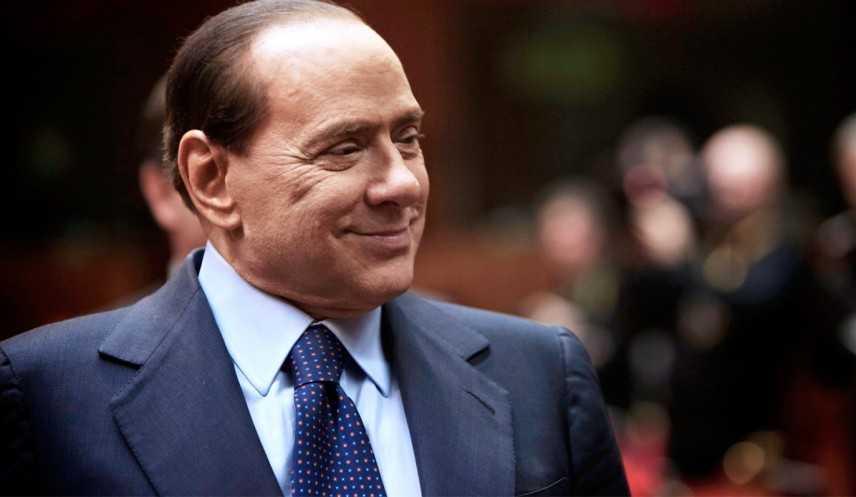 Berlusconi apre alle unioni civili gay «Ma con modello tedesco»