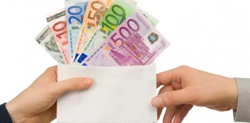 Lavoro, salari: meno di 1000 euro per 7 milioni di italiani