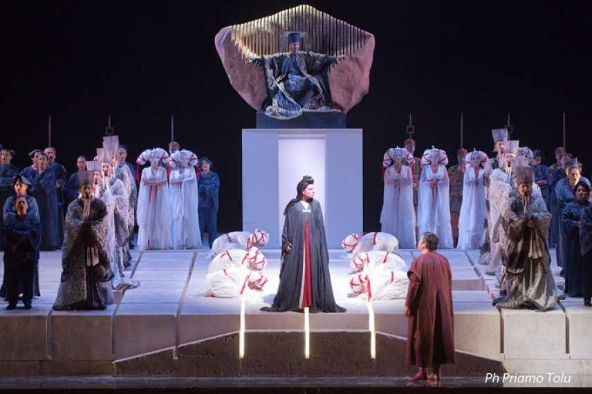 Trionfo per Turandot al Lirico di Cagliari. Un capolavoro tra pietre sonore e Google Glass
