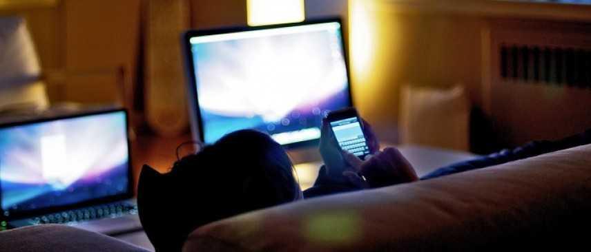 Italiani digitali: smartphone dipendenti e primi per numero di dispositivi posseduti
