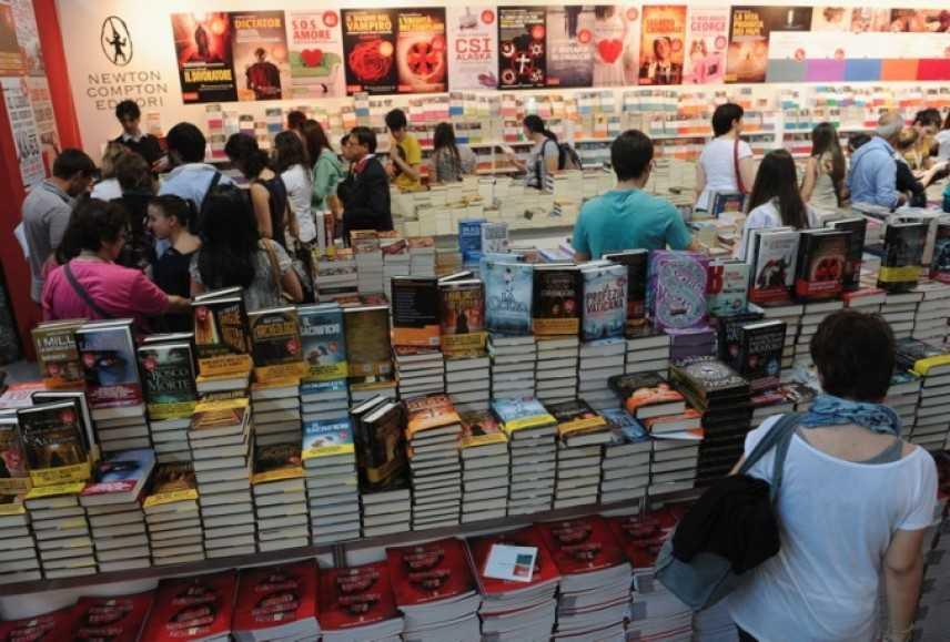 La Sardegna assente al Salone del libro di Torino. Aes e Michela Murgia attaccano la Regione