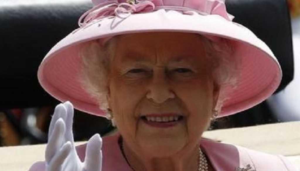 Roma Arriva Oggi La Regina Elisabetta Ii D Inghilterra Incontrera Il Papa E Napolitano Infooggi It Il Diritto Di Sapere