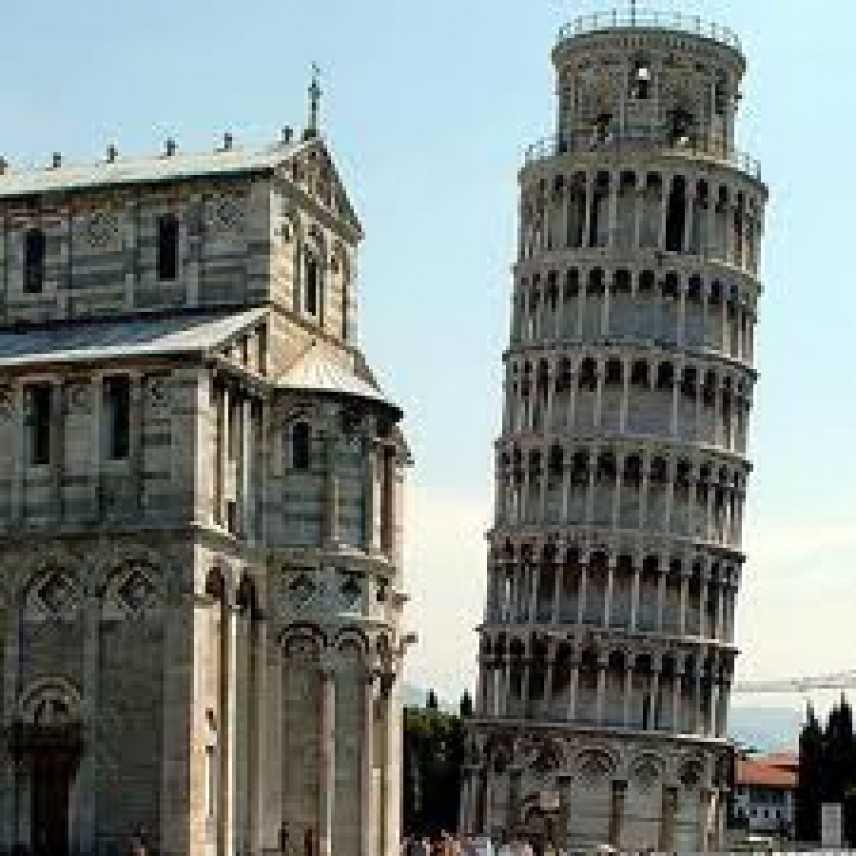 Pisa. All'ombra della torre pendente giovani pagati 3 euro l'ora
