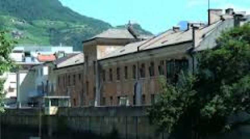 Bolzano, carcere di Via Dante invaso dalle zecche. E' ancora emergenza per detenuti e dipendenti