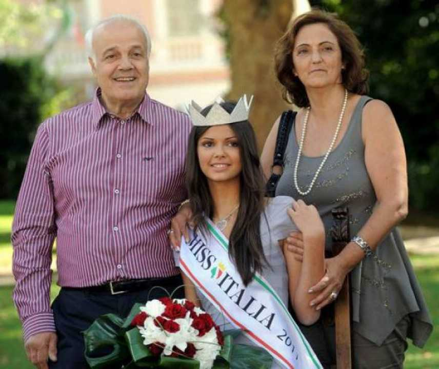 """La famiglia di Miss Liguria protesta: """"Contro nostra figlia un assurdo pregiudizio razziale"""""""