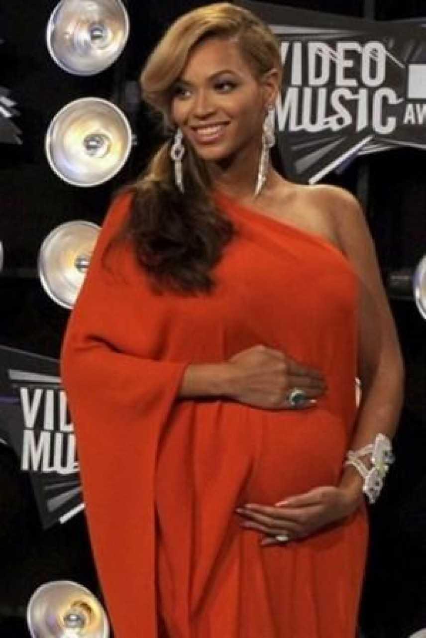 Beyoncè presto sarà mamma: la notizia agli MTV Music Awards 2011