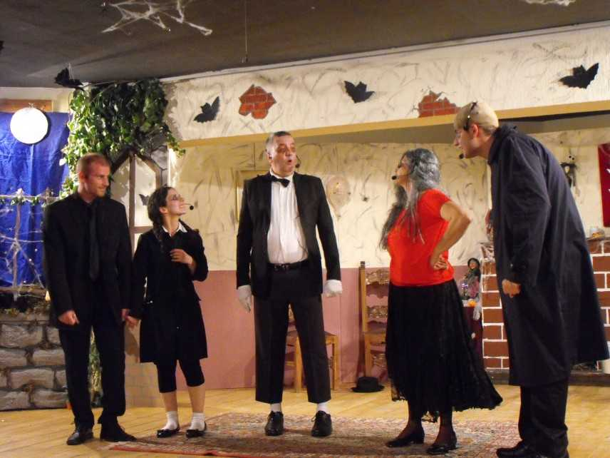 La Famiglia Addams secondo la compagnia Arcobaleno